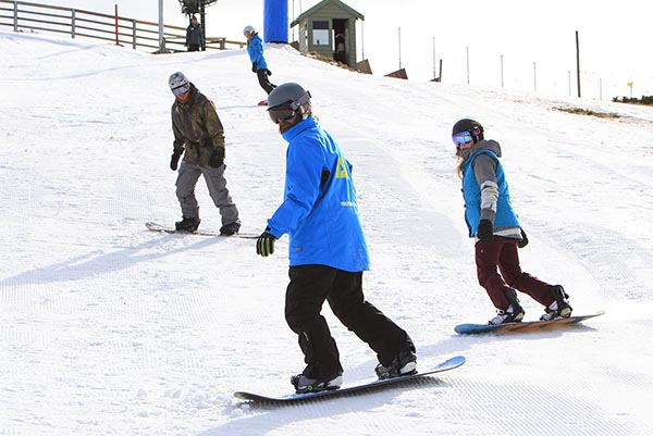 Snowboard group lesson